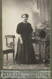 Dvosya, mother of Yankel-Shmul Karasik. Photo supposely taken in Priluki in the end of XIX century
