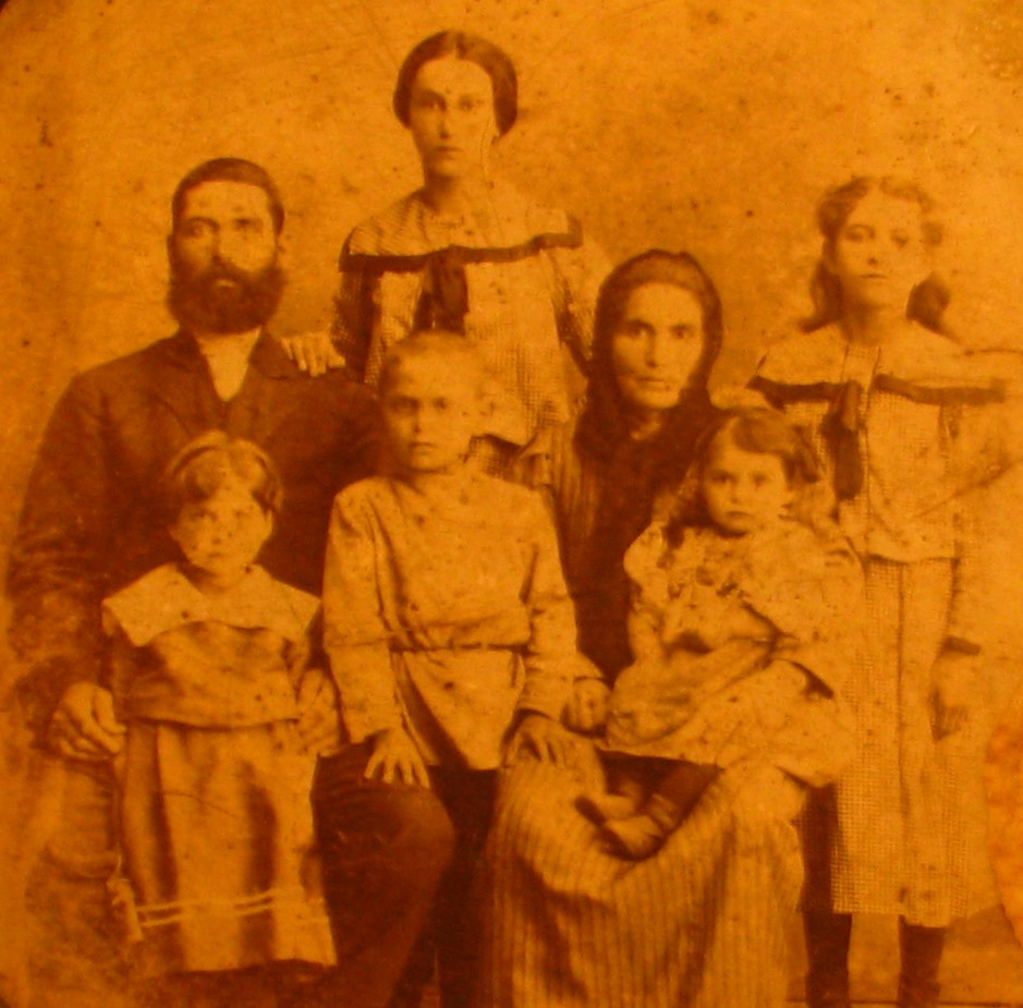 Photo taken circa 1910 in Priluki. Family of Aizek (1875-1941) and Minya Myasnikov (?-1941). Children: Rahil (1898-1970), Rivka-Beila (1901-1986), Boris (1905-1941), Manya (?-1941), Raya (1911-1980). Only three people survived the Holocaust.