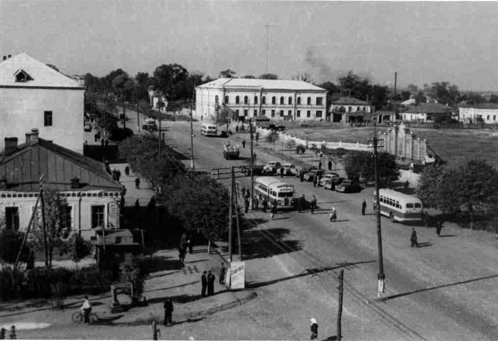 Zolotarev's building in 1960's