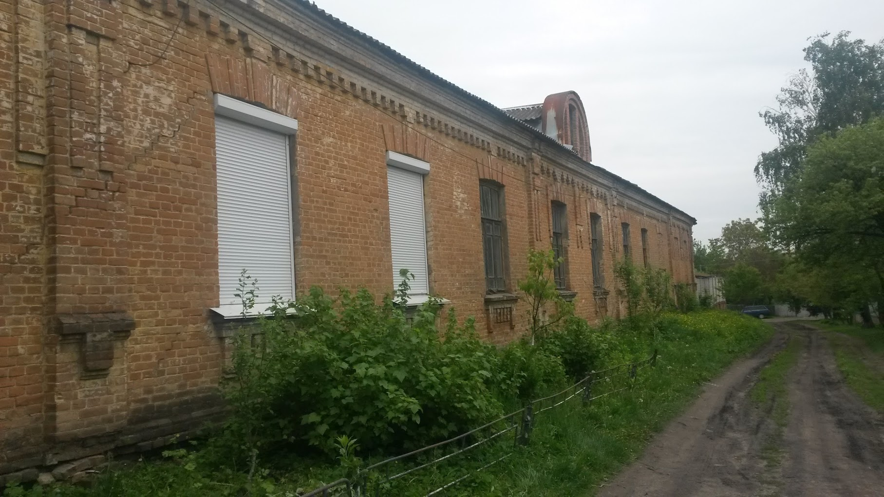Synagogue of Schneerson, 2017. Now it belongs to local police station.