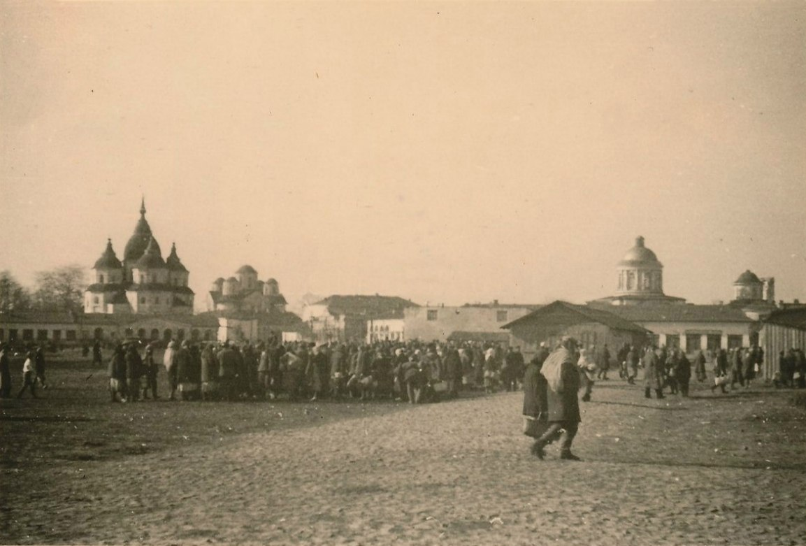 Nezhin market in 1941, German's photo