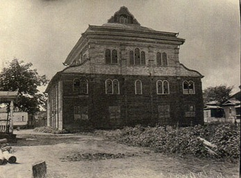 Wooden synagogue in Chernobyl by 1928. Photo made by P.Zholtovsky