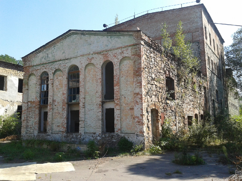 Building on the territory of the brewery which was given to Jewish Community for reconstruction in Synagogue. Photo by 2011.