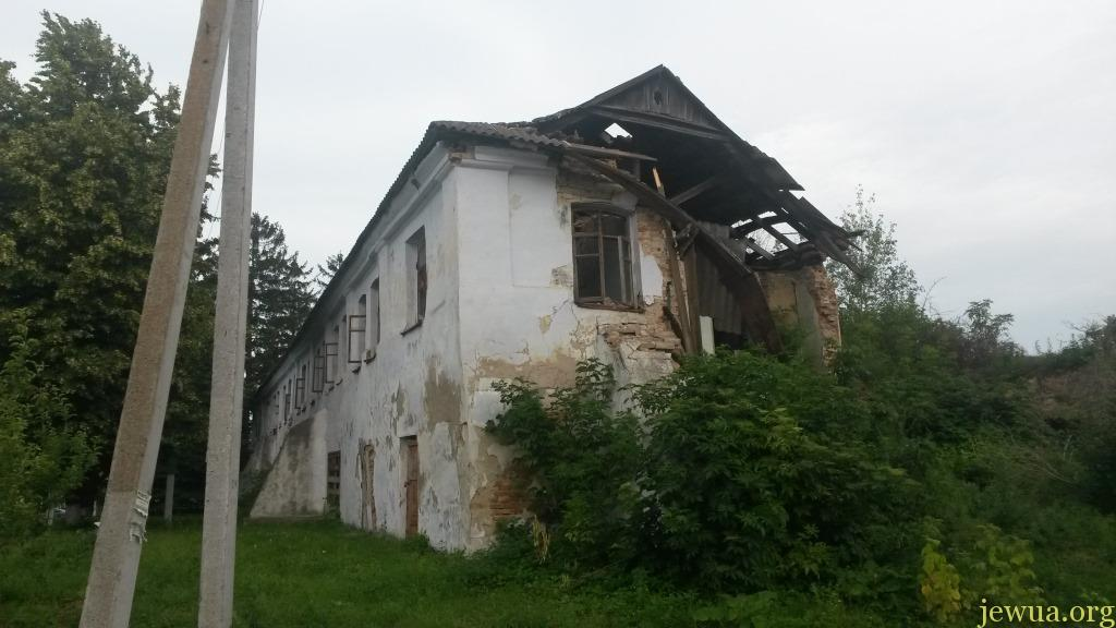 Ruins of Jewish shops in Medzhibozh, 2016