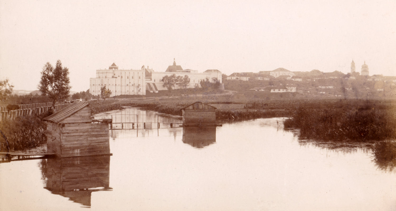 Medzhibozh castle in 1930's. Photo from the collection of Stefan Taranushenko.