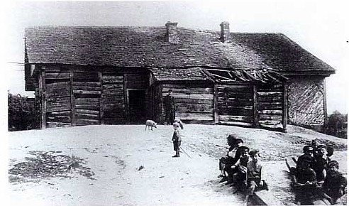 A cheder in Shepetovka. Picture courtesy of The Encyclopedia of Jewish Life Before and During the Holocaust