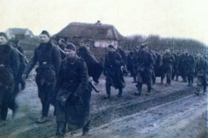 Jacob Ingerman (on the left) with troops fleeing the Red Army