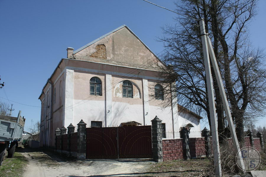 "Shepetovka Synagogue, 2013. Photograph by <a href=""http://photohunt.org.ua/Shepetovka.html"">photohunt.org.ua</a>"