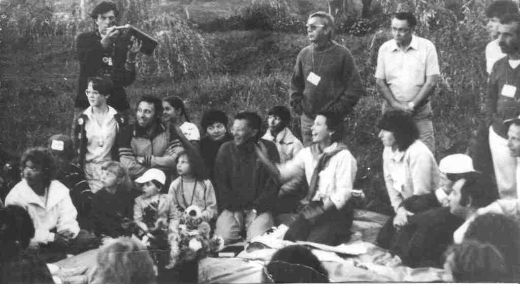First Shabat in Korsun which was conducted by participants of Peace Marсh Sally and Alan Grach, 1988