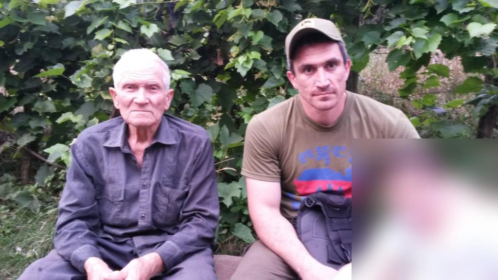 Local historian Vasiliy Doroshenko and military trainer Tzvi Arieli during our visit in 2016