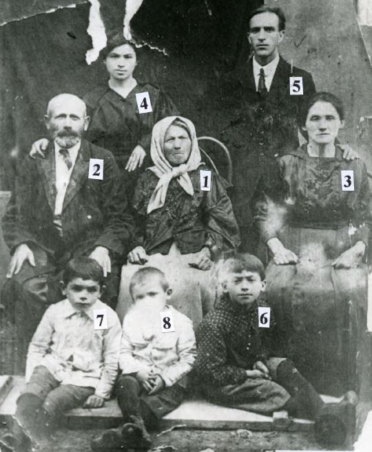 Bernshtein family in Orynin, 1922