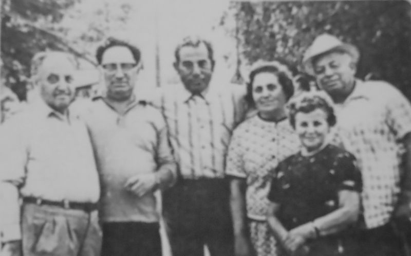 Group of Oryniners in Israel: Giter, unknown, Boris (surname unknown), unknown, Leva Grinberg with wife