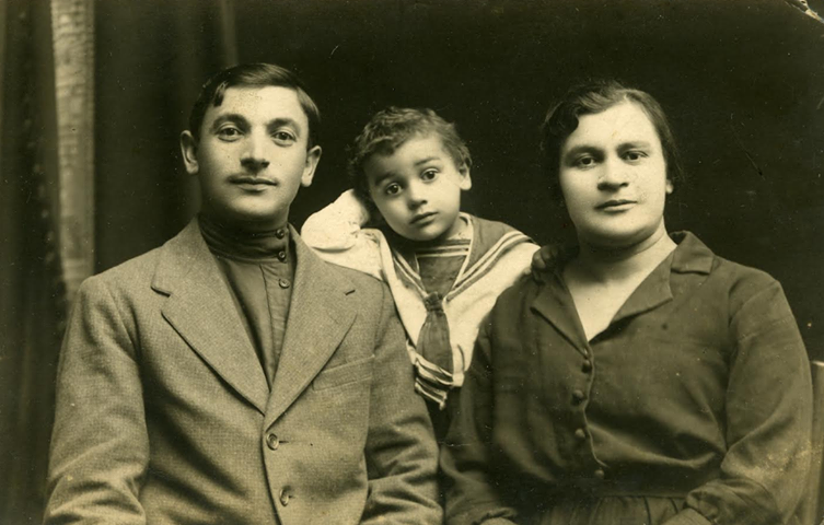 Moshko Voskoboynik (1898, Malin - 1959, Malin ) with son Shikele (1923, Malin - 1942, killed in action) and wife Reizl Voskoboynik (nee Rutman) (1900's, Malin - 1970's, Malin). Photo provided by Michael Voskoboynik