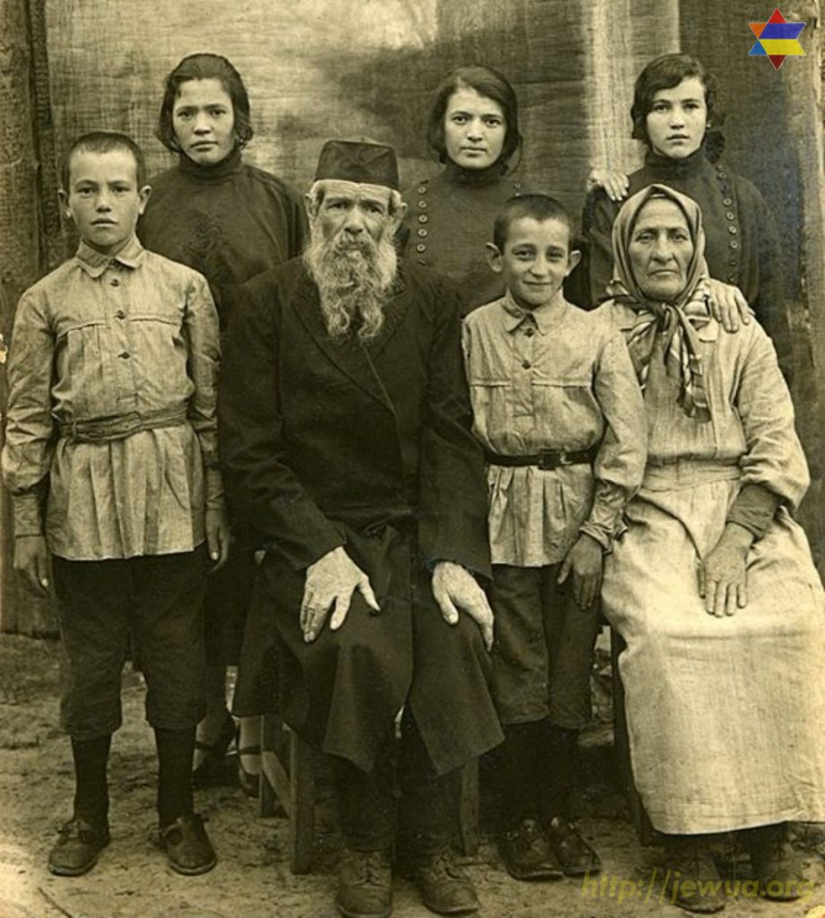 "Portrait of Portmans and Kupelnicks, taken in Olevs'k, about 1923. Left to right, back Row: Belived to be Sara (Sonia, Sole) Portman, Malka (Manya) Portman, Jenny Kupelnick. Front Row: Maurice (Morris) Kupelnick, ""Mordcha"" (Mordechai, Marvin) Portman, Harry Kupelnick, Ida (nee unknown) Portman. They lived at #29 Oktyabrskaya Street, Olevsk, Volyn. By 1930 all the Kupelnicks were reunited in America and lived in Massachusetts. The Portmans remained. Photo provided by Kamins Jay in 2017."