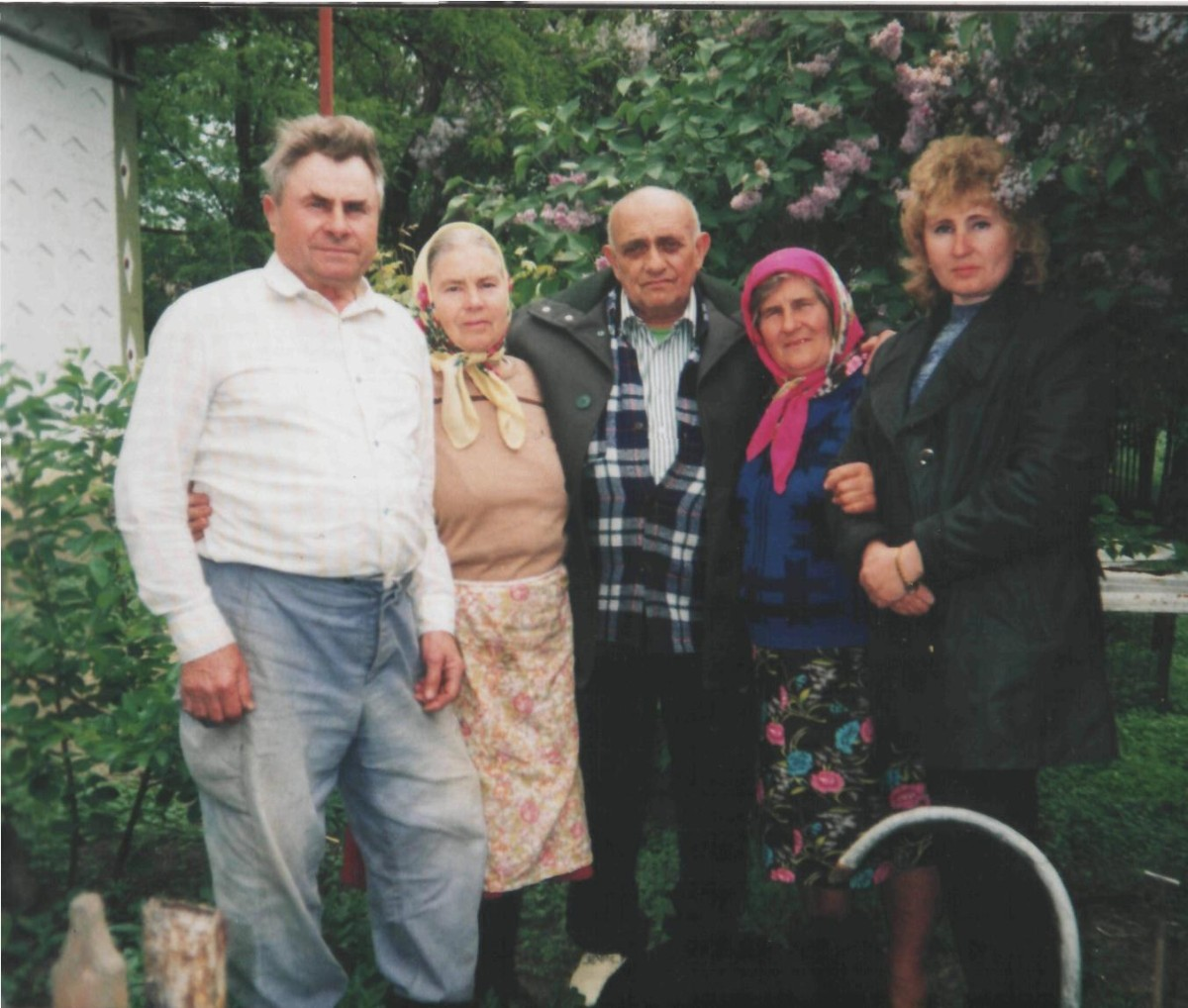Naum Vereshatskiy (in the middle) with local Ukrainians who saved him during the WWII, 1990's