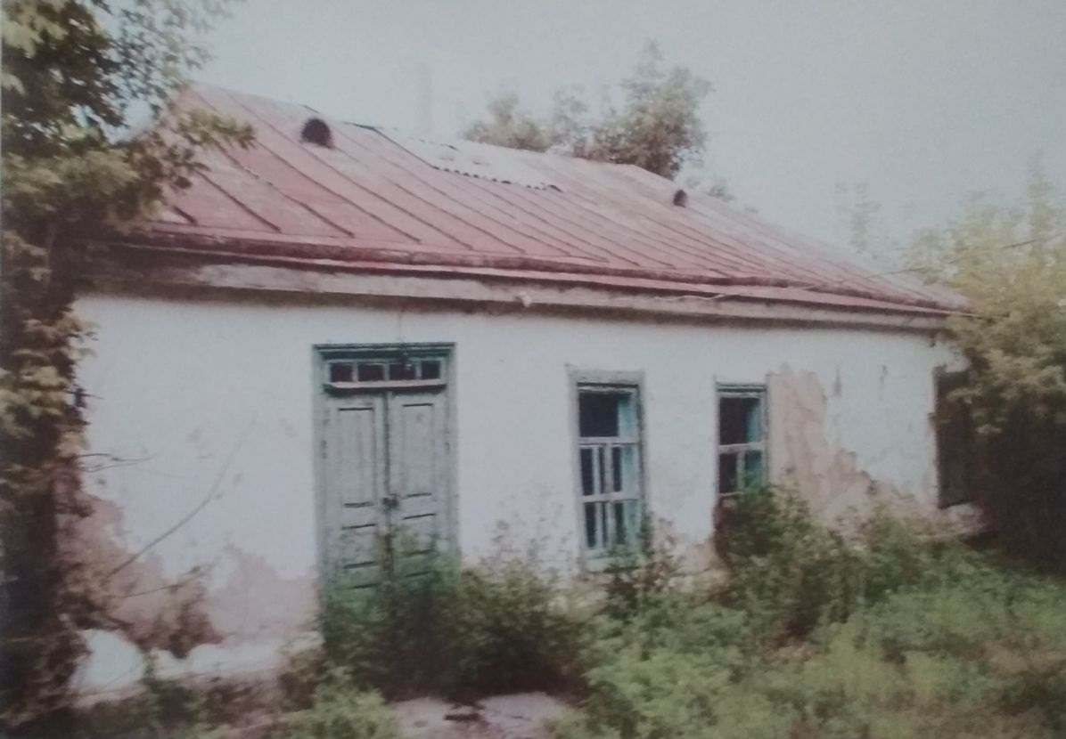 Leib Kvitko uncle's house in Goloskovo, 1990's