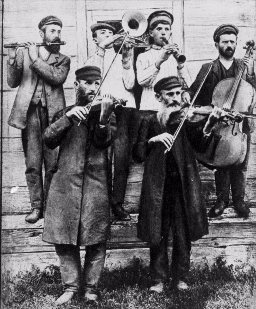 The photo of the Klezmers from Ushomir was printed in the article of Menakhem Kipnis in one of the Jewish magazines. Meyer Kagan is with the violin on the right, the other man with the violin is his brother Borukh